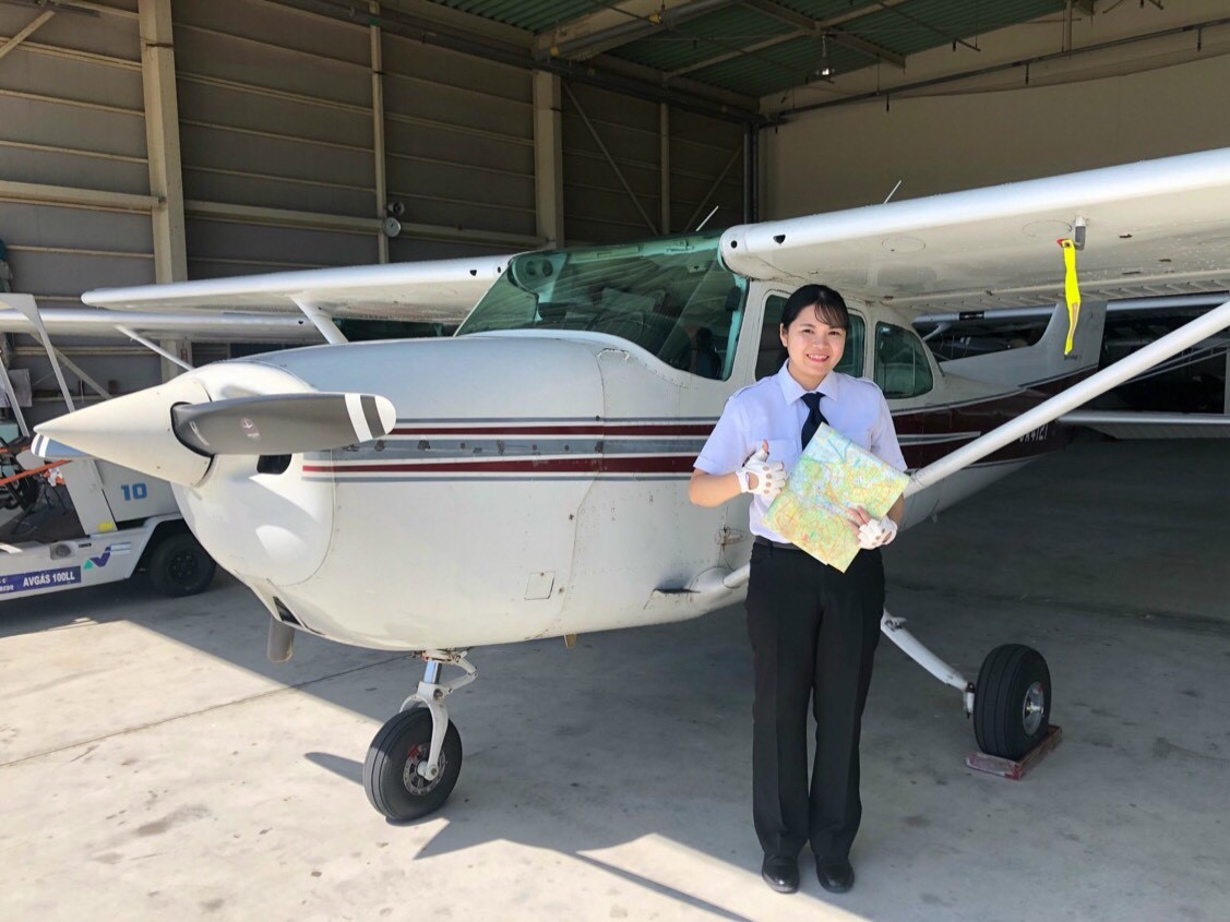 -女子学生初のパイロット1-