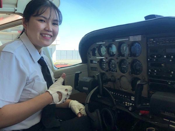 -初の女子学生パイロット3-