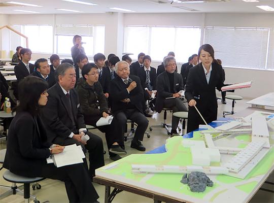 「桜島港フェリーターミナルの建替え計画」をプレゼンテーション