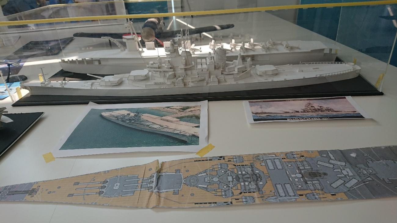 3年阿蘇谷君製作の戦艦及び空母模型(よく作られています)
