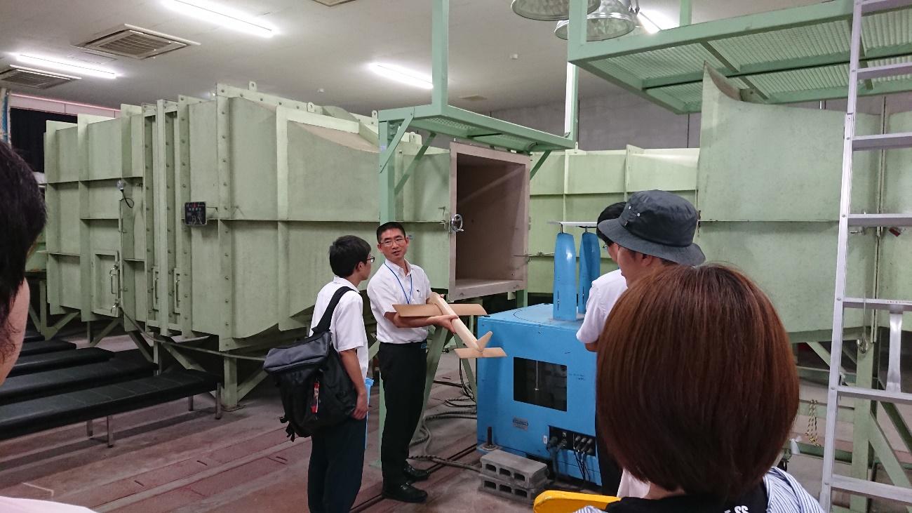 古川靖教授による風洞実験の授業