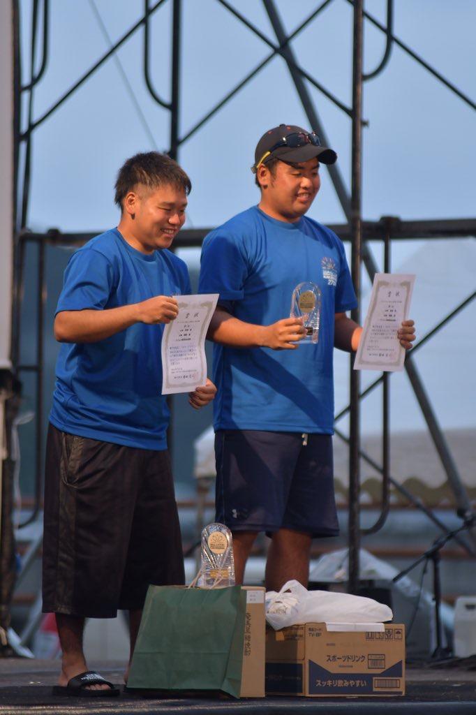 ー表彰を受ける山畑篤海さん(左)と海勝さん(右)ー