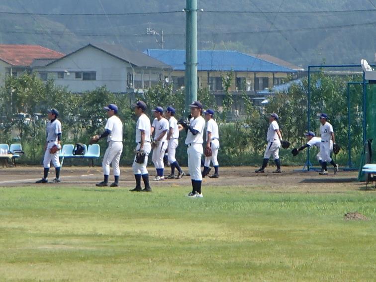 硬式野球部と高校生の合同練習会風景