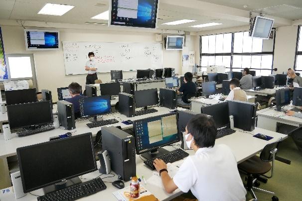 -200829_山田先生1--